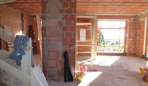 Progettazione interni sai c 39 una casa nel bosco for Progettazione interni casa